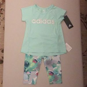New Adidas Toddler 24M 2T Top/Capri Set in Green